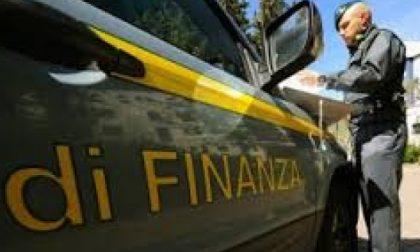 Sequestri emporio Carmagnola: oltre 900.000 articoli pericolosi