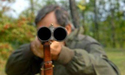 Cacciatore si ferisce all'occhio