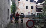 Casa disabitata in centro intervento dei pompieri per crepa gigante sul muro