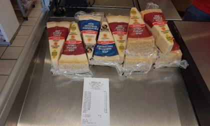 Ladri di parmigiano al supermercato