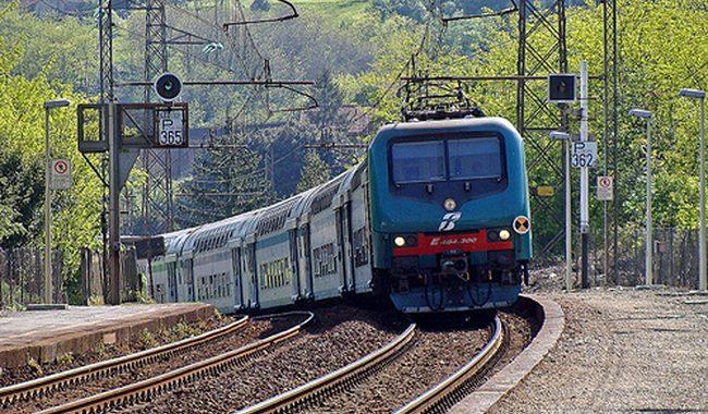 Treno investe persona, linea bloccata