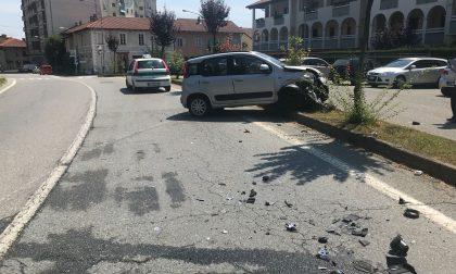 Incidente in centro a Favria, coinvolte due vetture