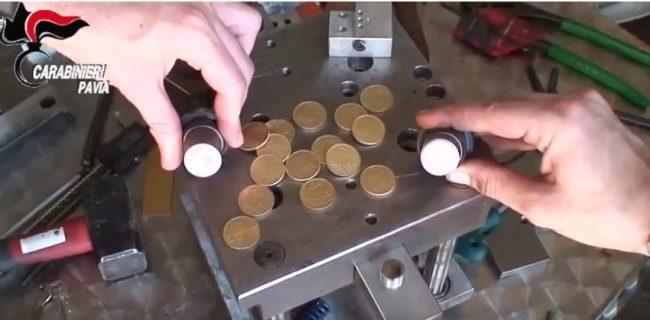 Producevano monete false, tre persone arrestate | FOTO e VIDEO