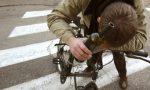 Ciclista ubriaco provoca incidente, denunciato