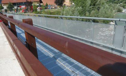 Passerella alla Feiteria finalmente pronta: il ponte riaperto al transito