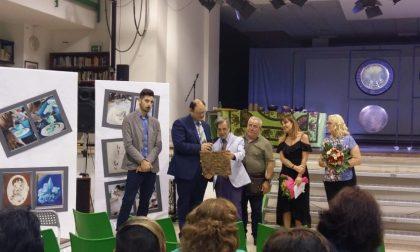 La Meridiana dell'incontro: un bassorilievo del Liceo Faccio donato a Napoli