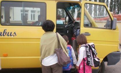 Tre scuolabus sanificati e pronti all'uso: la consegna al Comune di San Maurizio