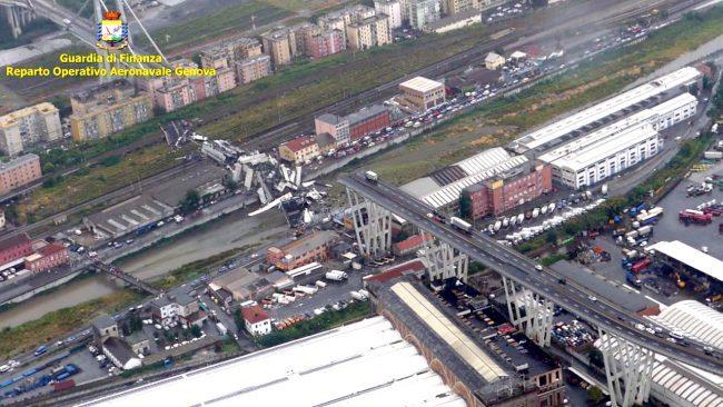Crollo del ponte a Genova, oltre 20 morti tra cui un bambino