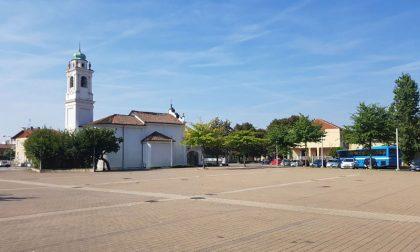 Parcheggio selvaggio a Volpiano: controlli in piazza Madonna delle Grazie