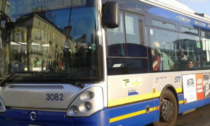 Sull'autobus senza mascherina: denunciato per interruzione di pubblico servizio