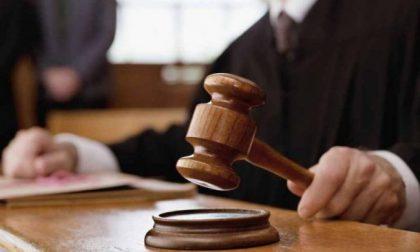 «Ma che Dubai e fuoriserie: è sempre stato reperibile» il consulente finanziario respinge le accuse dall'ex moglie