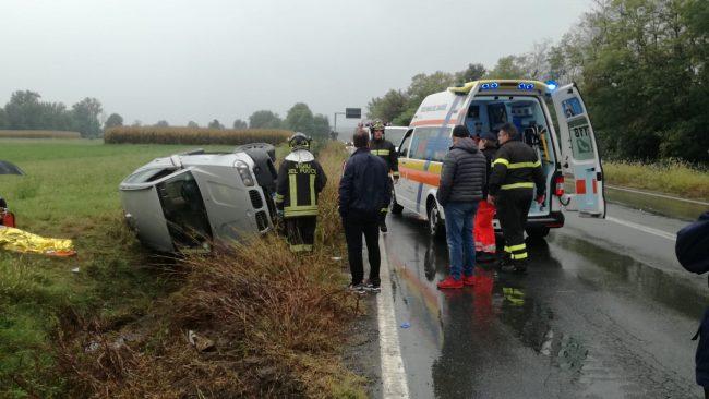 Auto fuoristrada a San Ponso, una donna ferita