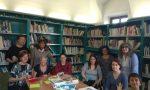 A Caselle è partito con successo il laboratorio Knitting in the library