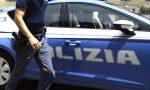 Si lancia dal balcone per sfuggire ai poliziotti: pusher 38enne arestato