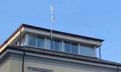 Ufo dove sei? La telecamera sul tetto del municipio