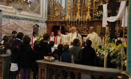 Arcivescovo Nosiglia in visita