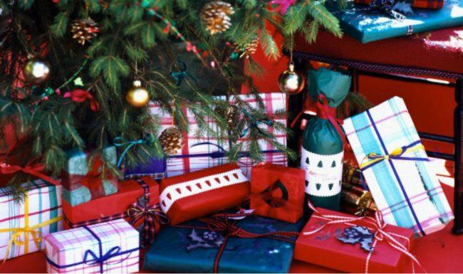 Regali Natale Zii.Regali Di Natale Inutili 49 Euro La Spesa Pro Capite Il