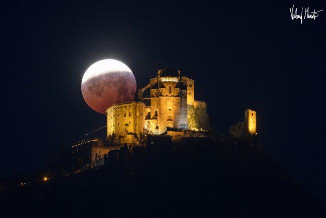 Luna rossa: ve la siete persa? Splendide immagini dal Canavese