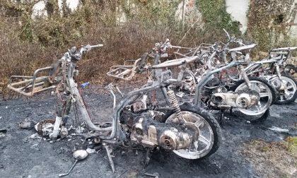 Mezzi carbonizzati, Poste Italiane chiede aiuto all'amministrazione comunale a Caselle