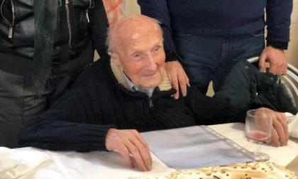Grande festa per i 102 anni di don Nicola Faletti
