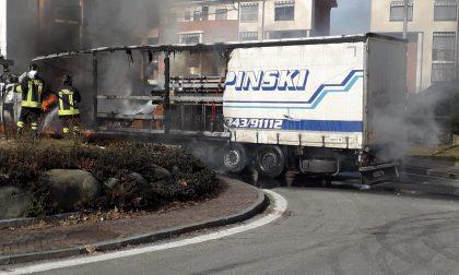 Tir in fiamme a Borgaro, tanta paura ma nessun ferito