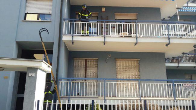 Anziani soccorsi in casa a Rivarolo
