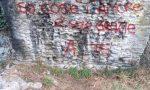 La Polizia municipale identifica i vandali in azione al Ponte vecchio