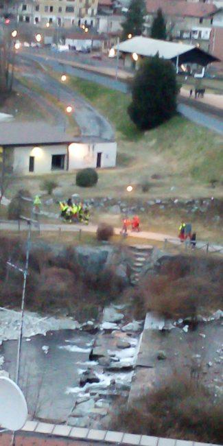 Cade nel torrente, uomo recuperato da Vigili del fuoco e Saf