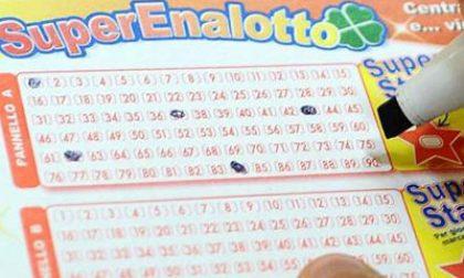 Vincono 100mila euro al SuperEnalotto, ma non ritirano il premio