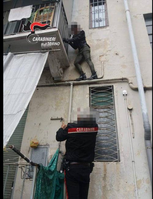 Ladre acrobate fermate dai carabinieri
