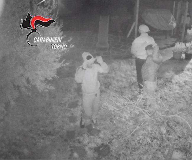 Fotografavano le vittime nel sonno: presa banda di topi d&#8217&#x3B;appartamento