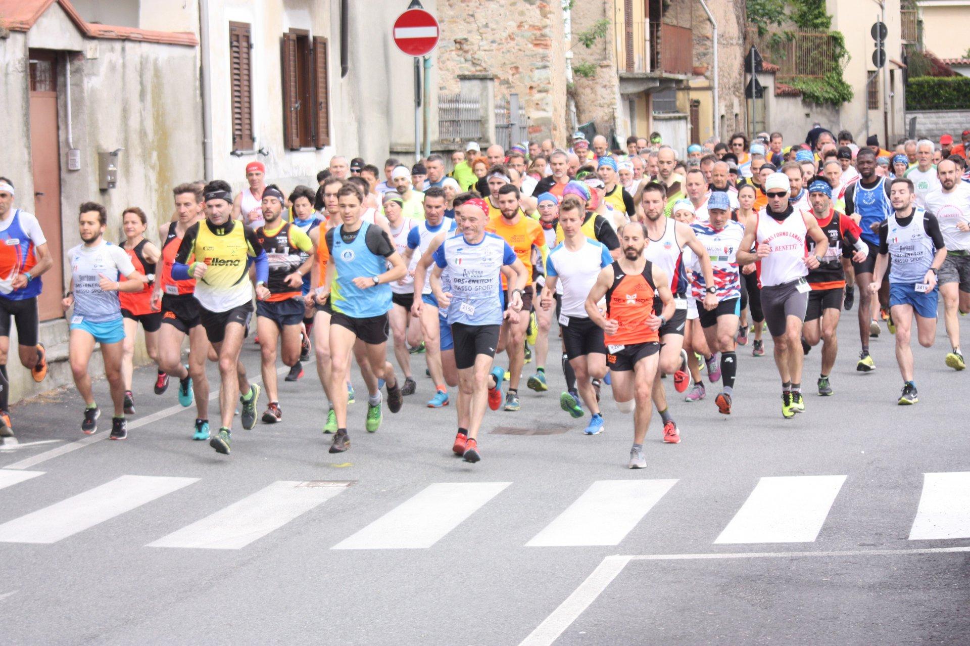 Calendario Podismo Piemonte.Podismo Ed Atletica In Alto Canavese Ecco I Prossimi Eventi