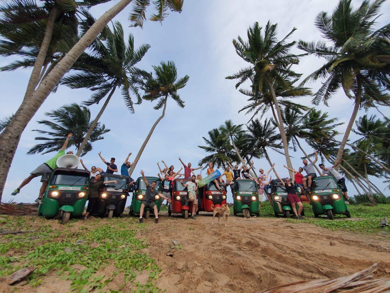 """Un cuorgnatese alla Tuk tuk Race: 1200 km in """"ape"""" tra le meraviglie dello Sri Lanka"""