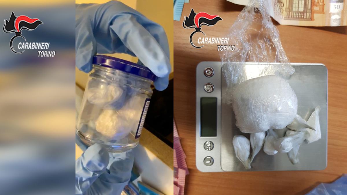 Cani anti droga colpiscono ancora: trovano cocaina nascosta nel muro