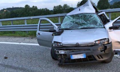 Aveva 33 anni la giovane mamma deceduta nell'incidente di ieri sulla Torino-Aosta