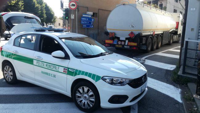 Incidente mortale a Rivarolo: camion investe una ciclista   FOTO