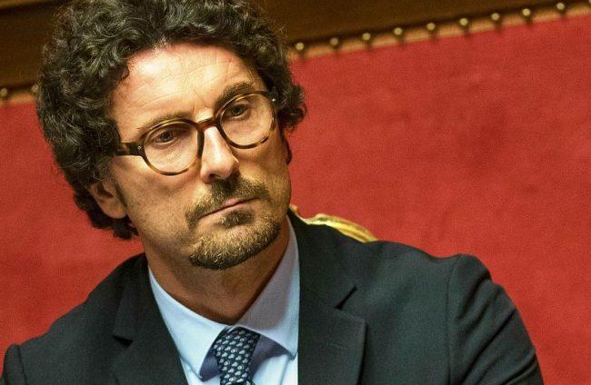 Toninelli se ne frega del Canavese. L'attacco in Consiglio metropolitano
