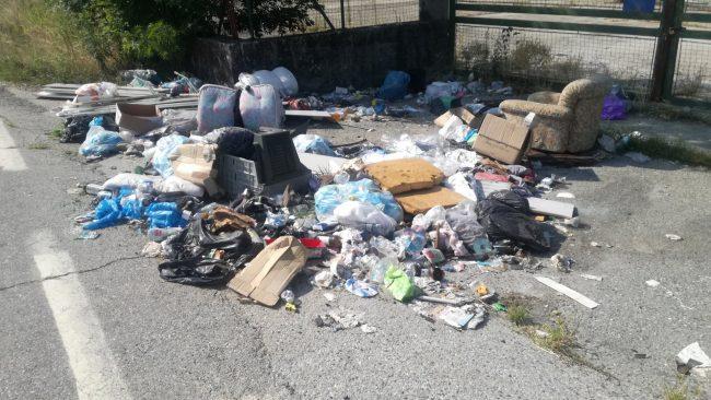 Canavese invaso dai rifiuti ingombranti