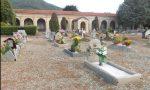 Furti di fiori al cimitero di Cuorgnè, ladri senza rispetto in azione