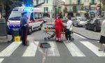 Donna cade sulle strisce pedonali in pieno centro a Rivarolo