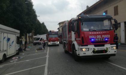 Anziana cade in casa, intervento dei vigili del fuoco | FOTO