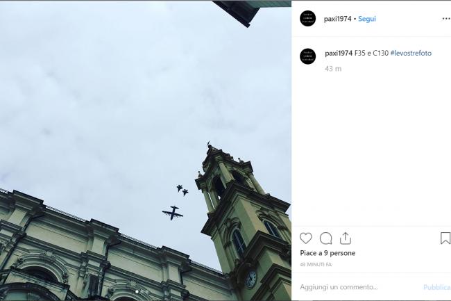 Aerei militari a bassa quota su Torino, le FOTO dell