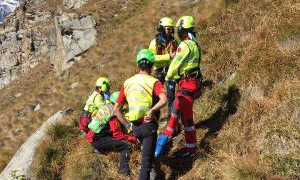 Cade rovinosamente al Serrù, rivarese eiltrasportato in ospedale