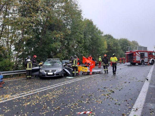 Tragico incidente sulla SP460, due persone decedute una in gravissime condizioni | FOTO