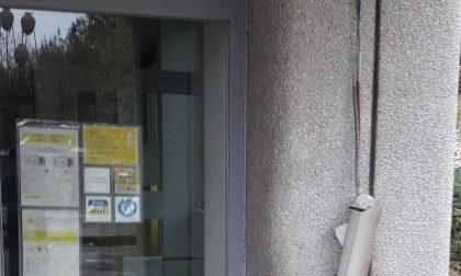 Castellamonte: Raid vandalico, sfasciata la telecamera dell'Ufficio Postale