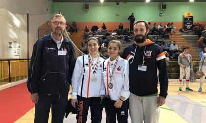 Un oro, tre argenti e tre bronzi a Novara per gli spadisti del circolo Delfino