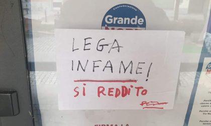 """""""Lega infame, sì reddito"""", il messaggio appare sulla bacheca di """"Costruire Futuro"""" a Volpiano"""