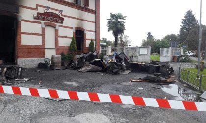 Incendio devasta il bar Stazione a Valperga