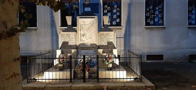 Mathi: Anpi e Comune sistemano il monumento dedicato ai Caduti