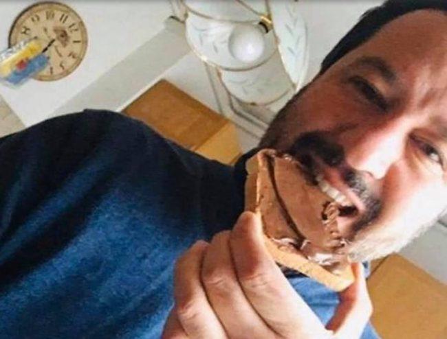 """Salvini: """"Ho scoperto che Nutella usa nocciole turche, non la mangio più!""""   VIDEO"""